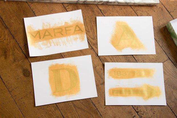lettre tableau prada peinte à découper